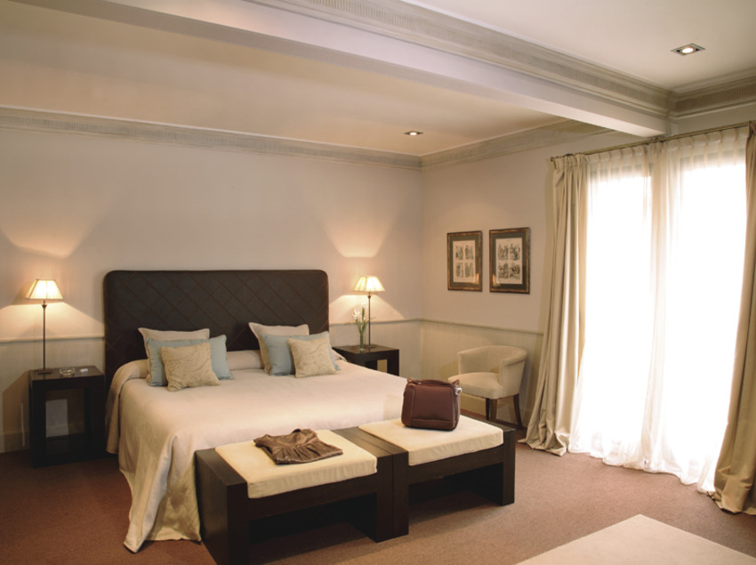 Junior suite de l'hotel Duquesa de Cardona   (Imatge cedida per l'hotel Duquesa de Cardona)