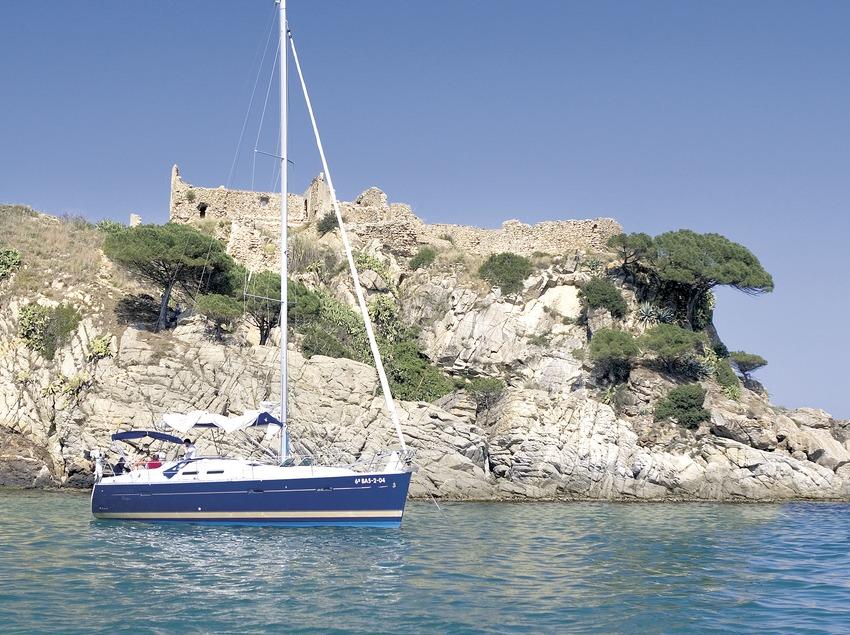 Veler a la punta de Sant Esteve   (Foto-tècnia fotògrafs)