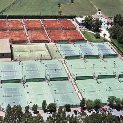 Pistes de tenis   (Foto-tècnia fotògrafs)