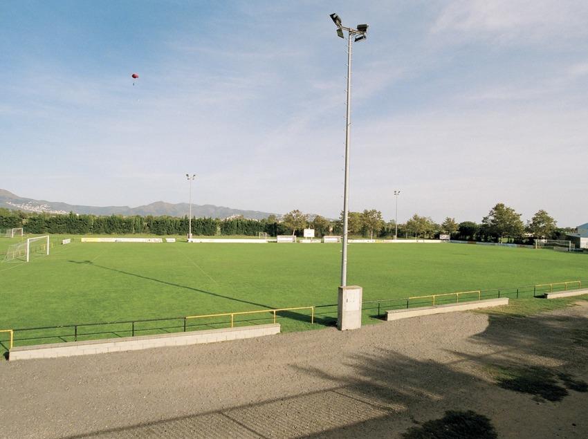Camp de futbol   (Foto-tècnia fotògrafs)