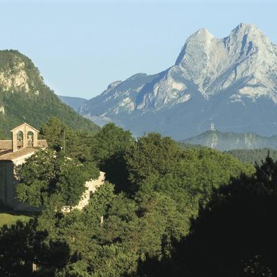 Santuari de Falgars, a la serra del Catllaràs