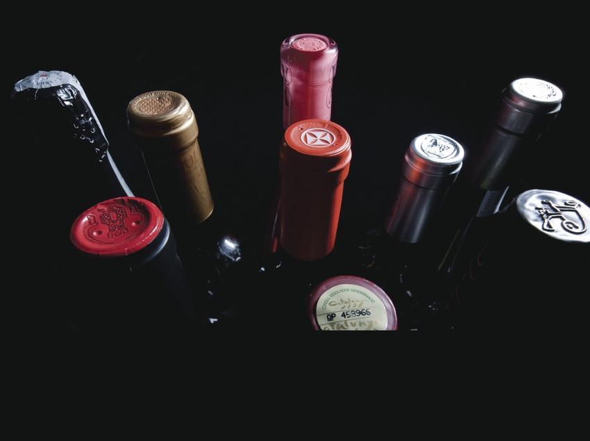 Botellas de vino y cava