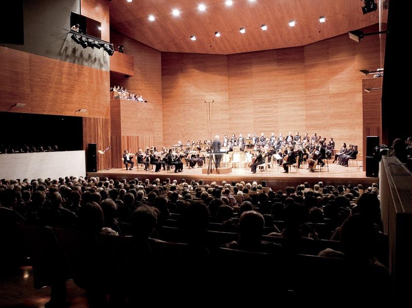 Concierto de sardanas en el Auditorio Enric Granados (Javier Miguélez Bessons)