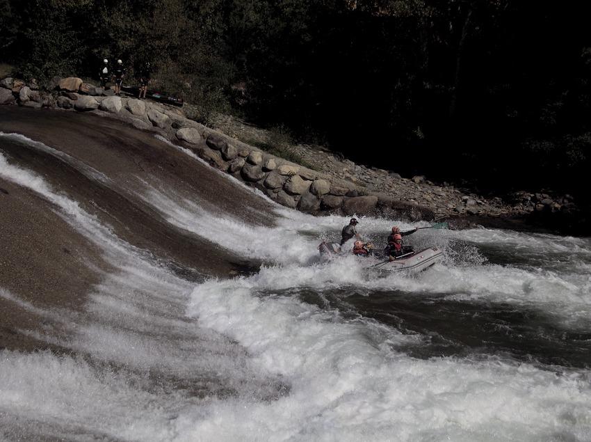 Рафтинг на реке Ногера (Cablepress)