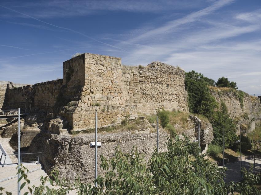 Ensemble de Sant Crist et château (Nano Cañas)
