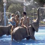 Família al parc aquàtic del Càmping Resort Cambrils Park