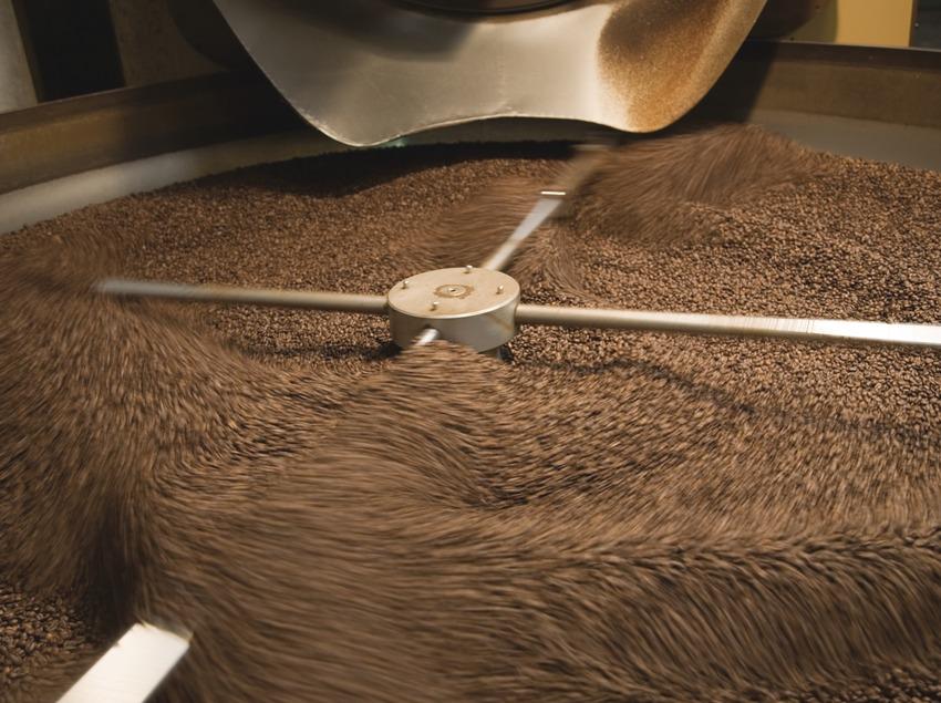 Cafés Pont. Salida del café tostado  (Imagen M.A.S.)