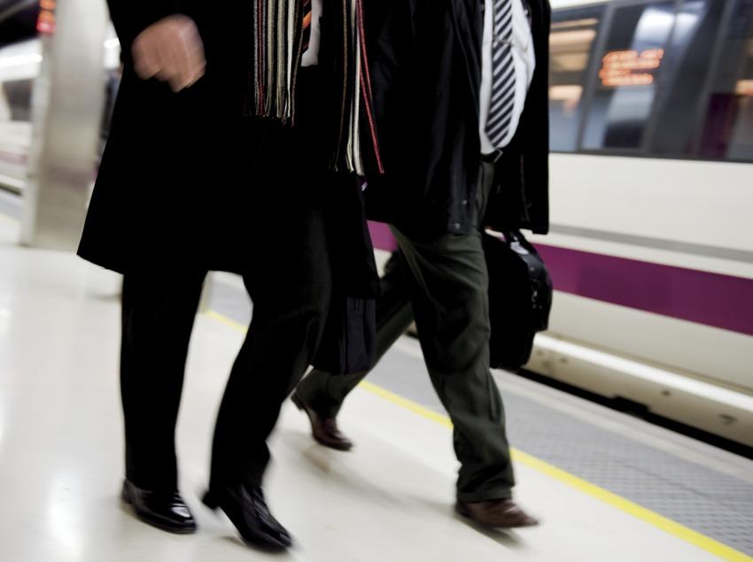 Passagers du train à grande vitesse (AVE) à la gare de Sants (Gemma Miralda)