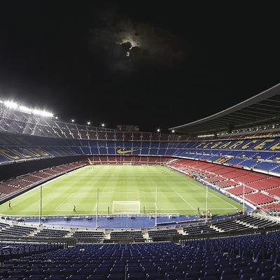 Vista general nocturna del Camp Nou des del Gol Nord.   (FCBarcelona)