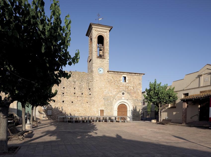 Приходская церковь в деревне Альбонс (Juan José Pascual)