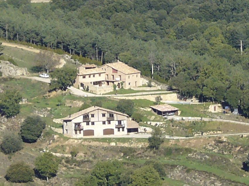 Allotjaments de Cal Marti, vista de Les Roques   (Cal Martí)
