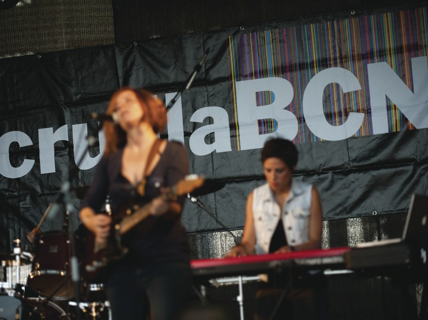 Festival Cruïlla BCN. Fòrum, músicos (Los Seis Días, CAT), logo festival (Marc Castellet Puig)