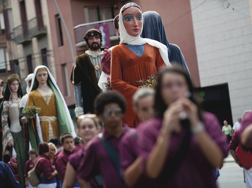 International Music Festival Ebre Terra de Vent. Tortosa, pasacalles, grallas, gigantes (Marc Castellet Puig)