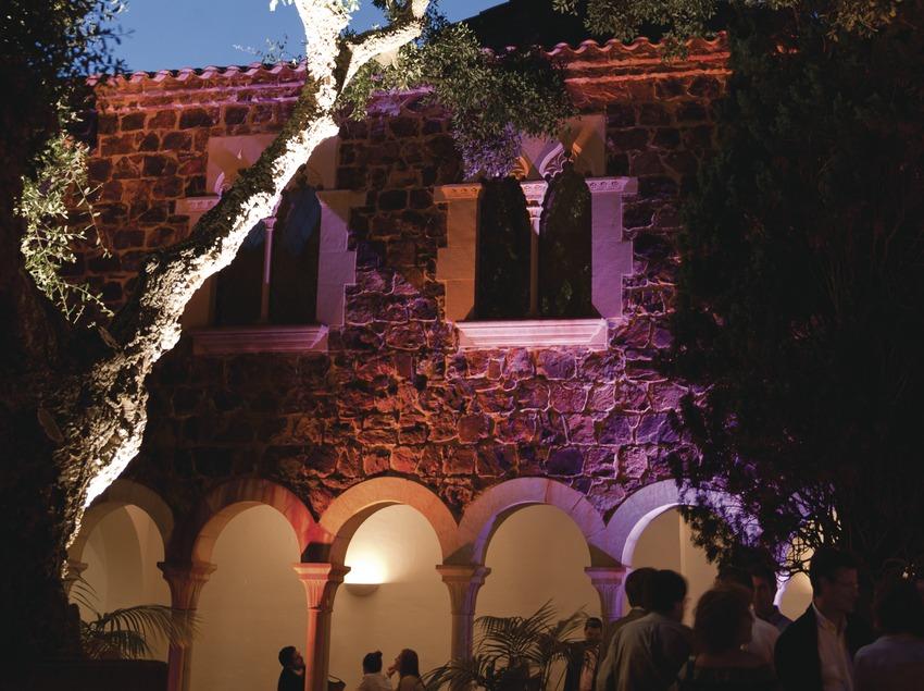 Gartenfestival von Cap Roig. Kreuzgang, Burg, Publikum (Marc Castellet Puig)