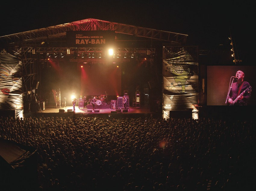 Primavera Sound. Fòrum, logo, artista (Sunny Day Real State), públic, escenari (Marc Castellet Puig)