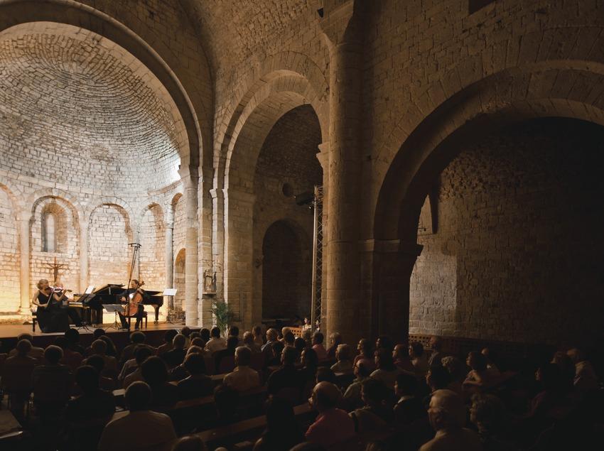 Schubertiada Vilabertran. Iglesia Santa maria, artistas (Jess Trio Wien, Austria), público
