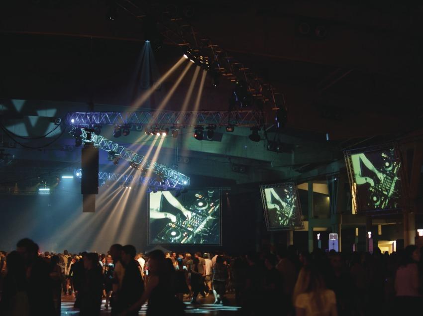 Festival Sónar Barcelone. Feria Gran Via, L'Hospitalet, projections, public, scène
