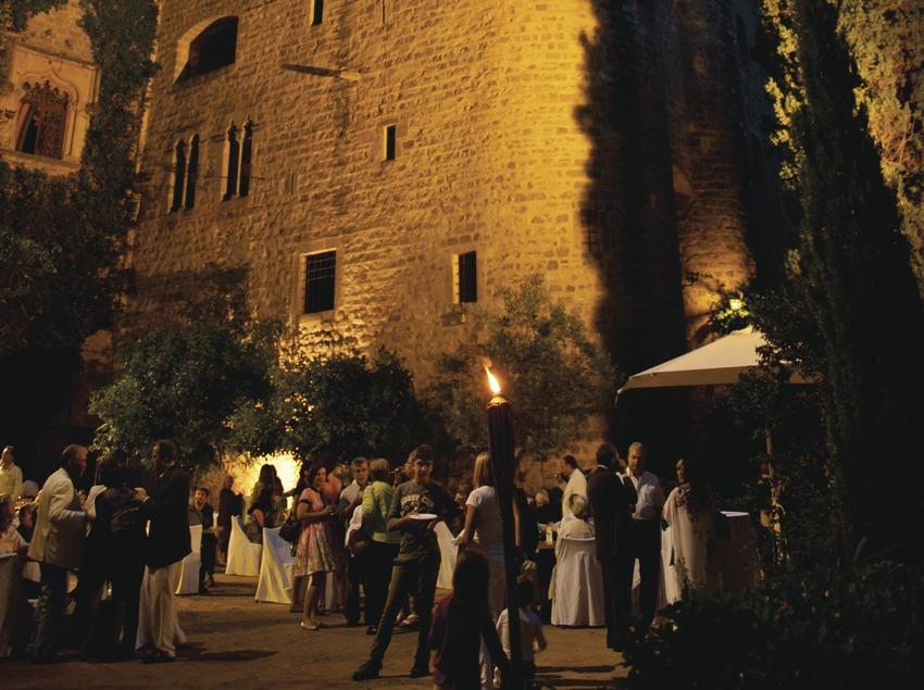 Festival de musique classique château Santa Florentina. Canet de mar, château Santa Florentina, public, apéritif (Marc Castellet Puig)