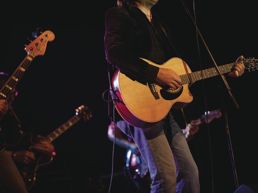 Blues Cerdanyola. Guitarras, bajo, Justo y los Pecadores (CAT) (Marc Castellet Puig)