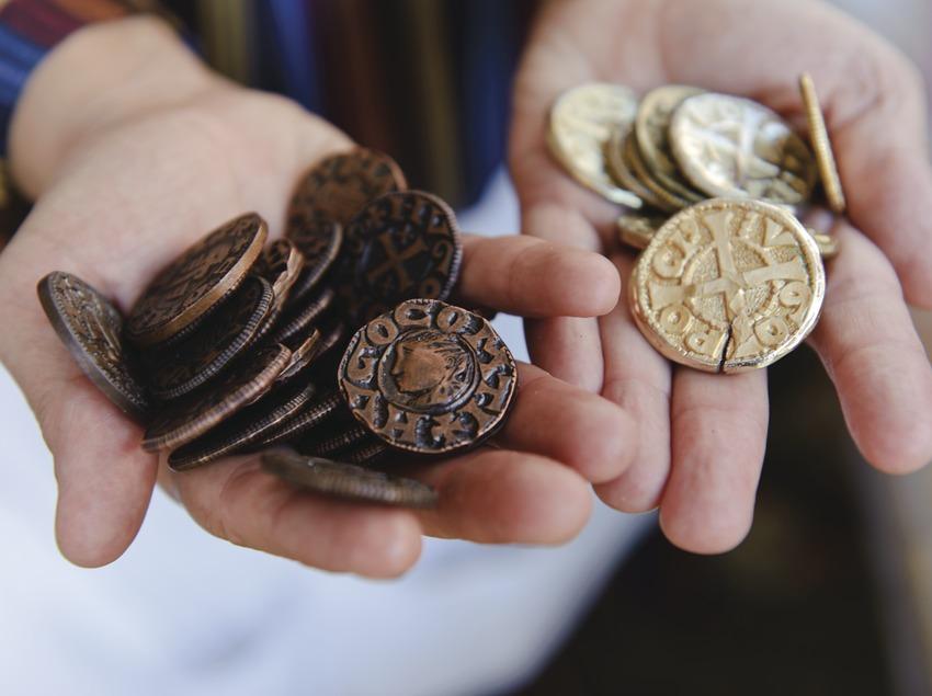 Festival Terra de Trobadors. Castelló d'Empúries, Monedas de cambio del mercado medieval (Marc Castellet Puig)