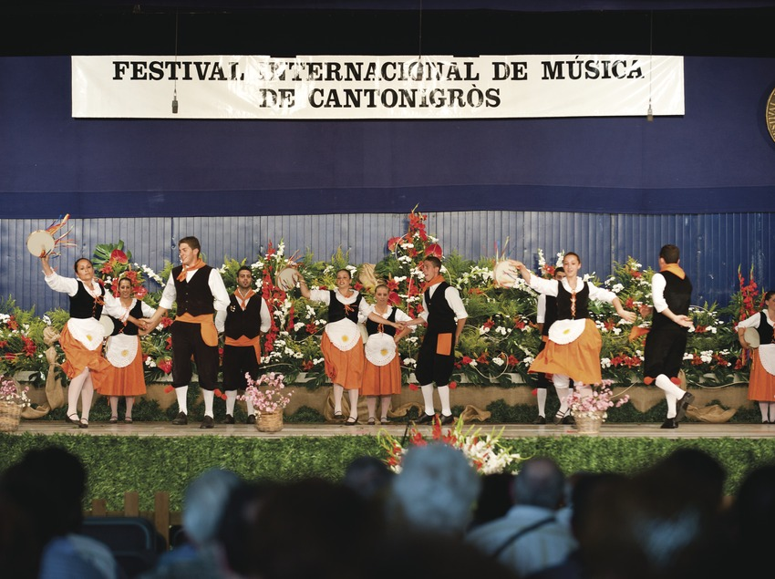 FESTIVAL INTERNACIONAL DE MÚSICA DE CANTONIGRÒS_PÚBLIC, ESCENARI, CORAL, LOGO FESTIVAL (Marc Castellet Puig)