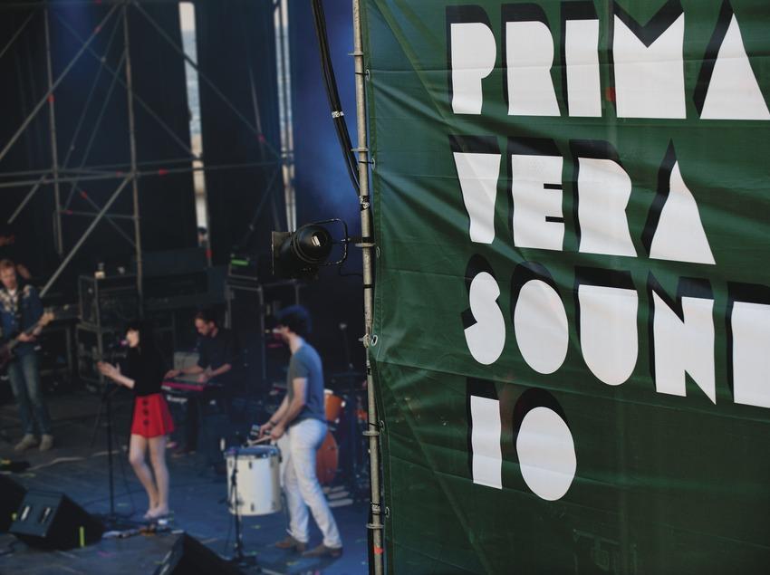 Primavera Sound Barcelona. Fòrum, logo, artista (Sian Alice Group) (Marc Castellet Puig)