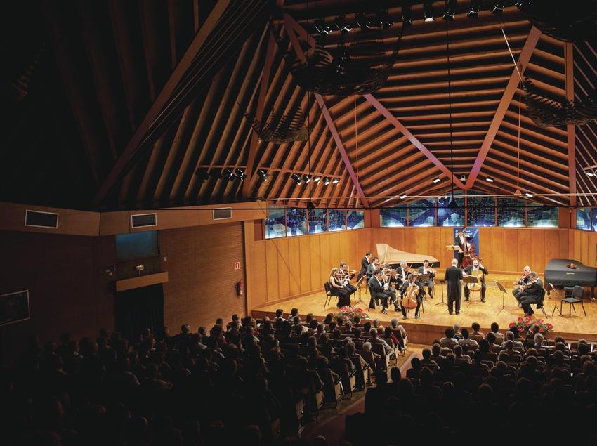 Festival Internacional de Música Pau Casals. Auditorio Pau Casals, orquesta (I Solisti Veneti, ITA), público