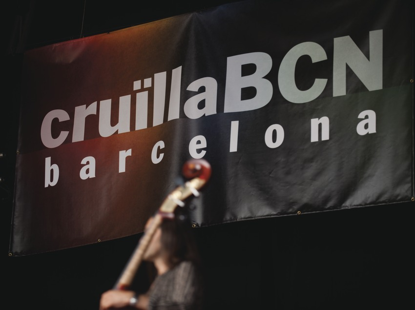 Festival Cruïlla BCN. Fòrum, músicos (Taima Tesao, CAT), logo festival (Marc Castellet Puig)
