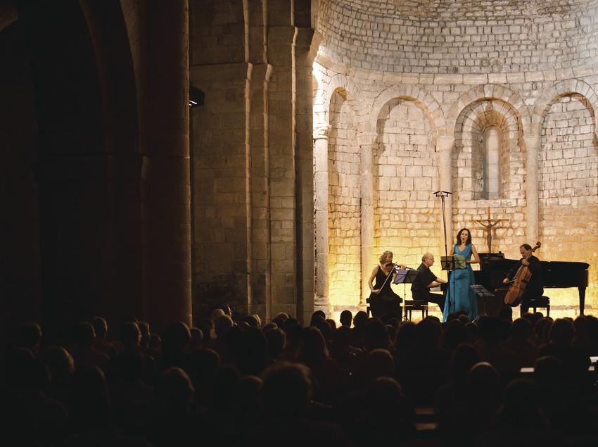 Schubertiada Vilabertran. Iglesia Santa Maria, artistas (Susana Puig, CAT y Jess Trio Wien, Austria)