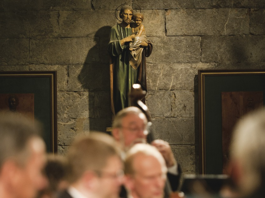 Festival de Músiques de Torroella de Montgrí. Iglesia Sant Genís, imágenes religiosas, músicos (Amadeus Chamber Orchestra of Polish Radio) (Marc Castellet Puig)