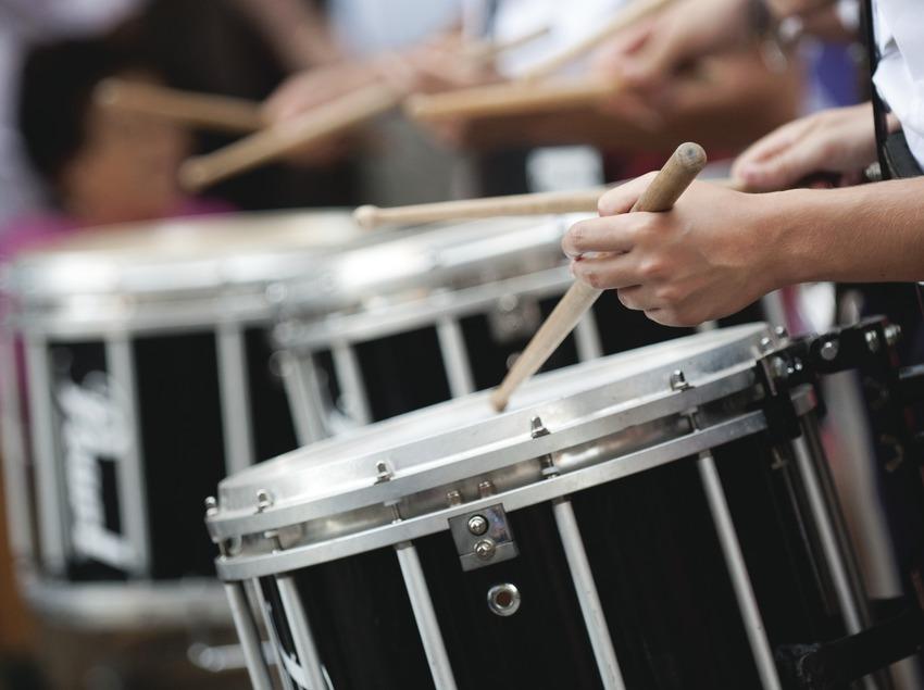 International Music Festival Ebre Terra de Vent. Tortosa, detalle timbales (Banda Advante Cuideiru, Galicia), público (Marc Castellet Puig)