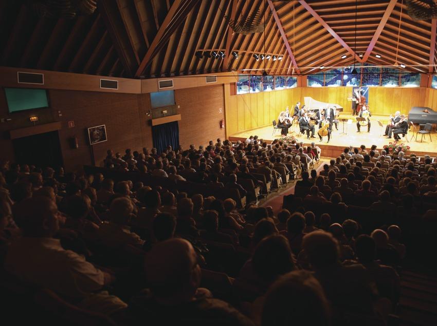 Festival Internacional de Música Pau Casals. Auditorio Pau Casals, orquesta (I Solisti Veneti, ITA), público (Marc Castellet Puig)