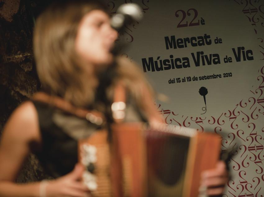 Mercat de la Música viva de Vic. Logo festival, músico (Meritxell Gené, CAT) (Marc Castellet Puig)