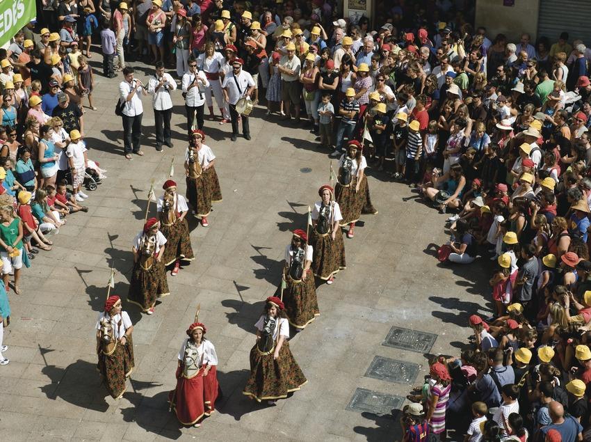 Danse de Cotonines. Fête de la Saint-Félix (Gemma Miralda)