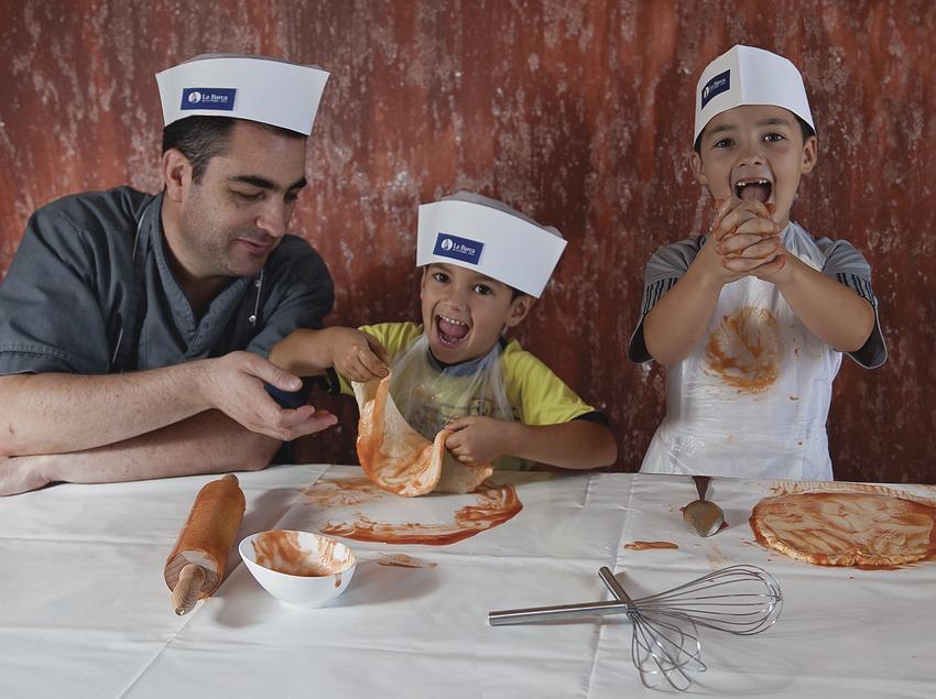 Taller de cocina para niños en el restaurante La Barca de Calafell (Miguel Angel Alvarez)