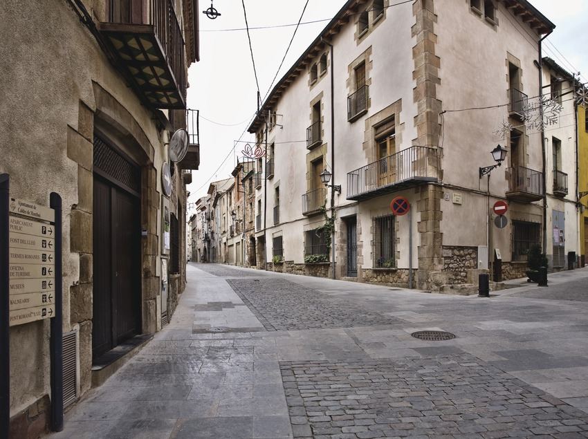 Caldes de Montbui. Plaça del poble   (Consorci de Viles Termals)