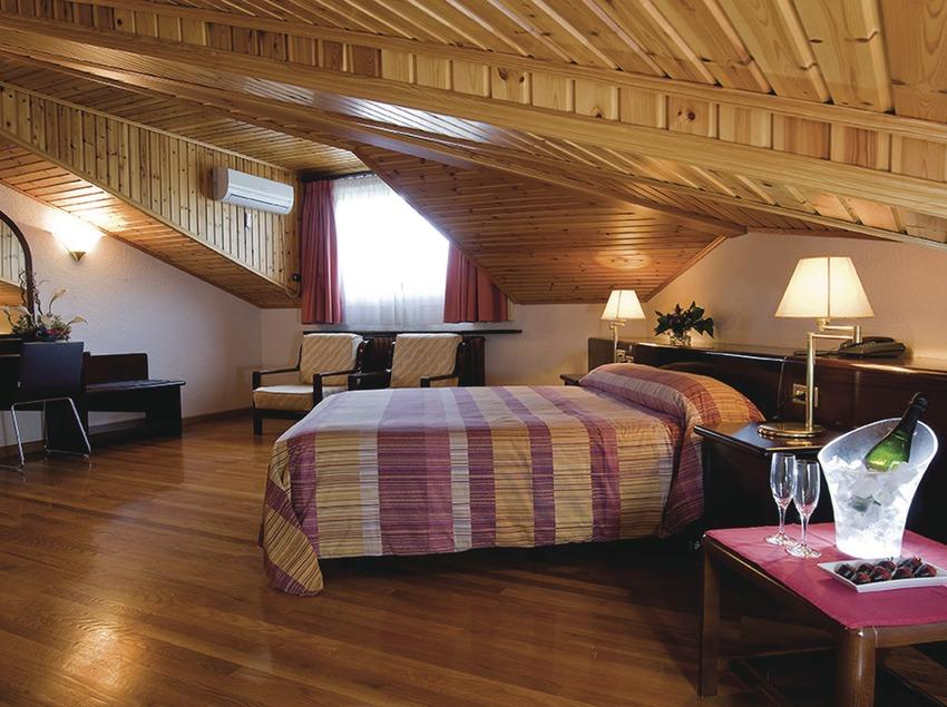 Pirineus. Habitación del Hotel Terradets, en Cellers   (Consorci de Viles Termals)