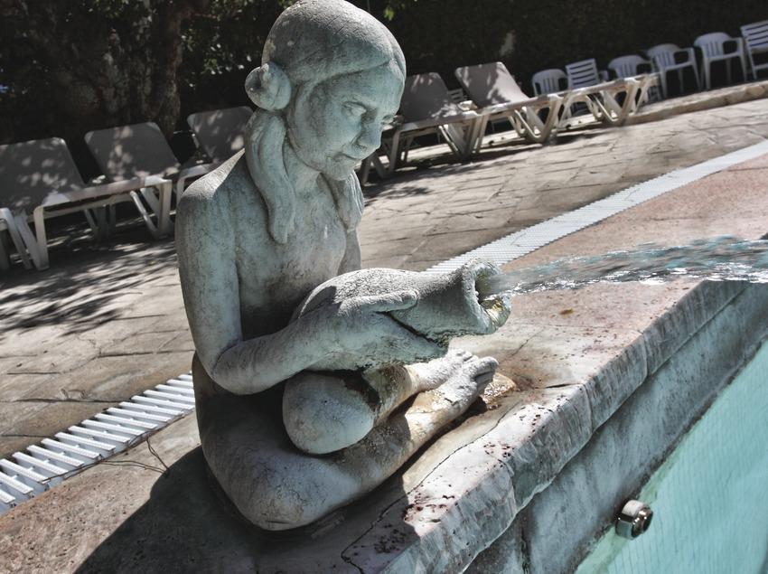 Caldes de Malavella. Escultura al Balneari Prats   (Consorci de Viles Termals)