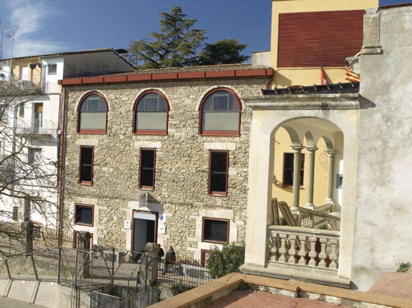 Banyoles. Exterior del albergue de la localidad   (Xanascat)