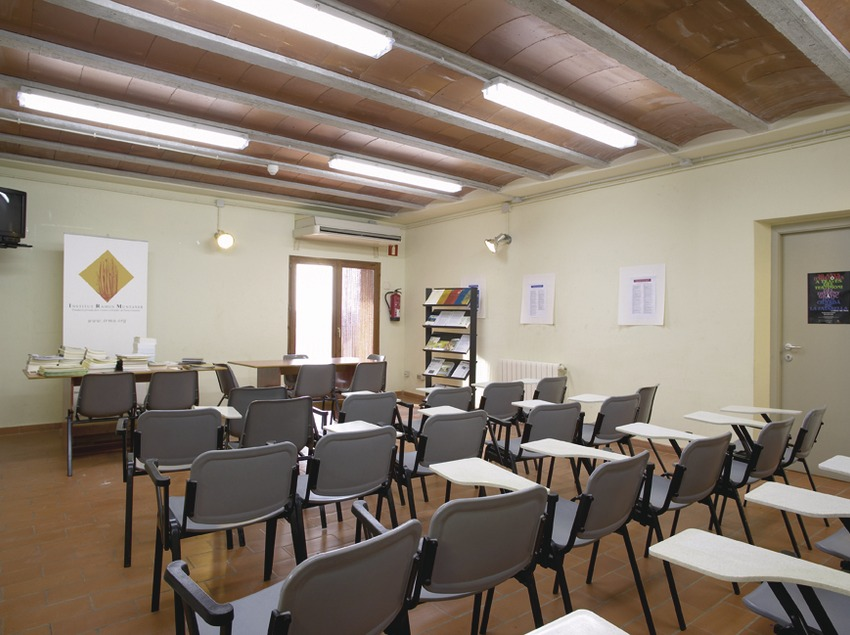 Terres de l'Ebre. Sala de conferencias del Alberg Mas de la Coixa, en Móra la Nova