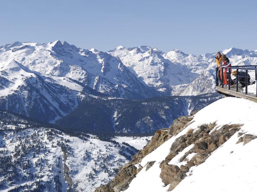 Val d'Aran. Esquiadores en Baqueira-Beret