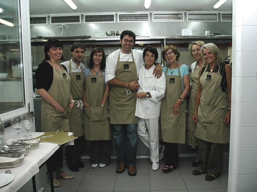 Barcelona. Equipo de las clases de cocina del Hotel Barcelona Catedral   (Barcelona Catedral)