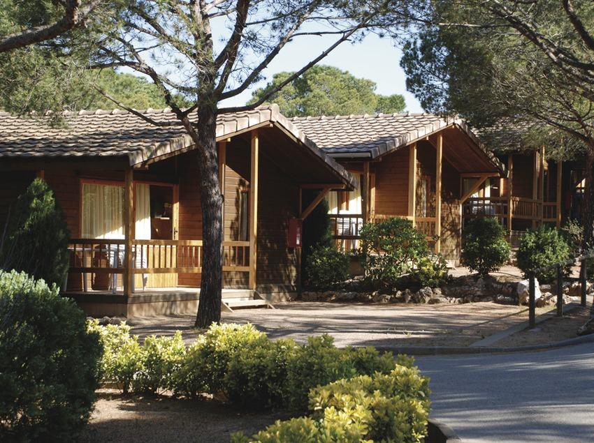Costa Brava. Bungalós del Camping La Siesta, en Calella de Palafrugell   (Càmping La Siesta)