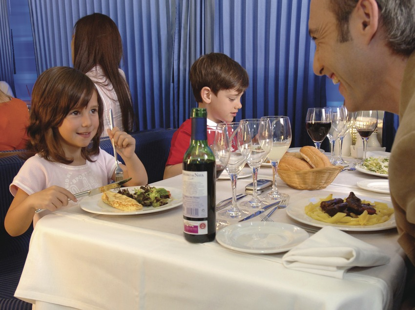 Barcelona. Restaurant de l'Elipsos Trenhotel   (Elipsos Internacional)