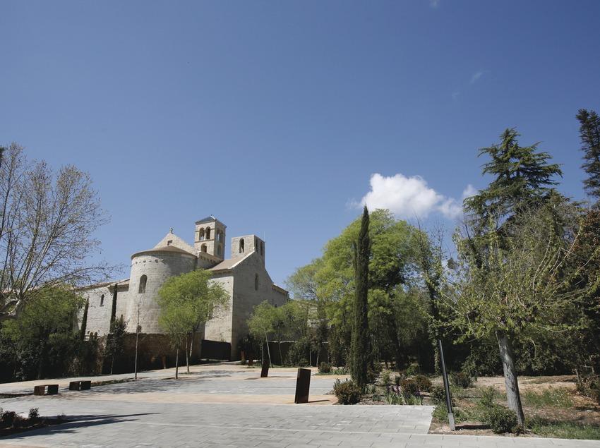 Barcelona. Món Sant Benet, a Sant Fruitós de Bages   (Món Sant Benet)
