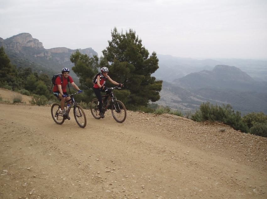 Terres de Lleida. Rutes de BTT al voltant del monestir de les Avellanes, a Os de Balaguer   (Monestir de les Avellanes)