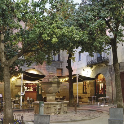 Barcelona. Terrassa exterior del Restaurant La Font de Prades, al Poble Espanyol   (La Font de Prades)
