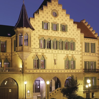 Pirineos. Fachada exterior del Hotel Sant Roc, en Solsona   (Sant Roc Hotel & Spa)