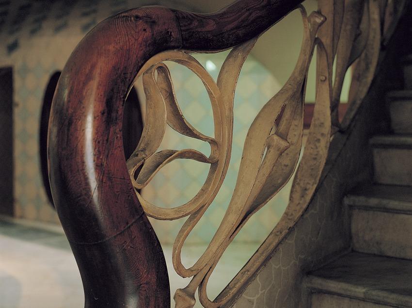 Detall de la barana del vestíbul de la Casa Batlló.
