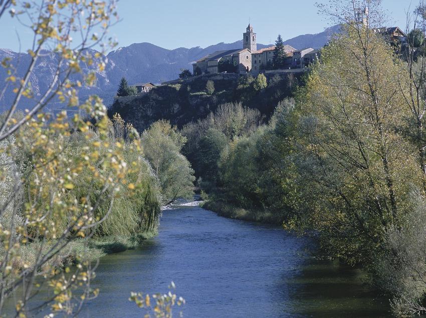 Pirineus. Vista de Bellver de Cerdanya  (Patronat Comarcal de Turisme de la Cerdanya)